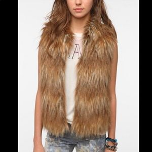 Pins and needles brown and blonde faux fur vest